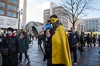 """Anlaesslich des ertsne Jahrestag der Coronamassnahmen der Bundesregierung protestierten etwas ueber 200 Menschen auf dem Berliner Alexanderplatz gegen die Politik der Bundesregierung. Sie forderten ein Ende der Maskenregelungen und Einschraenkungen in oeffentlichen Leben. Die Demonstranten riefen """"Liebe, Freiheit, Keine Diktatur"""" und """"Wahrheit macht Frei"""".<br /> Der Veranstalter, der Youtube-Schlagerstar Bjoern Winter alias Bjoern Banane, hatte 1000 Menschen zu der Kundgebung erwartet.<br /> Im Bild: Der Verschwoerungsideologe Michael B. alias """"Captain Future"""". <br /> 13.3.2021, Berlin<br /> Copyright: Christian-Ditsch.de"""