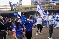 BOGOTÁ – COLOMBIA, 20-06-2021: Hinchas de Millonarios animan a su equipo por la final vuelta entre Millonarios F.C. y Deportes Tolima como parte de la Liga BetPlay DIMAYOR I 2021 jugado en el estadio Nemesio Camacho El Campin de la ciudad de Bogotá. / Fans of Millonarios cheer for their team second leg final match between Millonarios F.C. and Deportes Tolima as part of BetPlay DIMAYOR League I 2021 played at Nemesio Camacho El Campin Stadium in Bogota city. Photos: VizzorImage / Daniel Garzon / Cont.