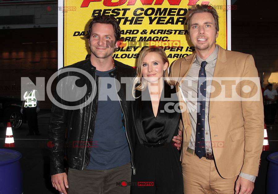 LOS ANGELES, CA - AUGUST 14: Dax Shepard, Kristen Bell and Bradley Cooper arrives at the 'Hit & Run' Los Angeles Premiere on August 14, 2012 in Los Angeles, California MPI21 / Mediapunchinc /NortePhoto.com<br /> <br /> **CREDITO*OBLIGATORIO** *No*Venta*A*Terceros*<br /> *No*Sale*So*third* ***No*Se*Permite*Hacer Archivo***No*Sale*So*third*