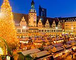 Deutschland, Freistaat Sachsen, Leipzig: Weihnachtsmarkt vor dem alten Rathaus | Germany, Saxony, Leipzig: Christmas Fair in front of the old Townhall