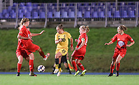 Standard's Davinia Vanmechelen (25) (in yellow) in action and Woluwe players defend during a female soccer game between FC Femina WS Woluwe and Standard Femina de Liege on the fourth match day of the 2020 - 2021 season of Belgian Womens Super League , Friday 8th of October 2020  in Liege , Belgium . PHOTO SPORTPIX.BE   SPP   SEVIL OKTEM