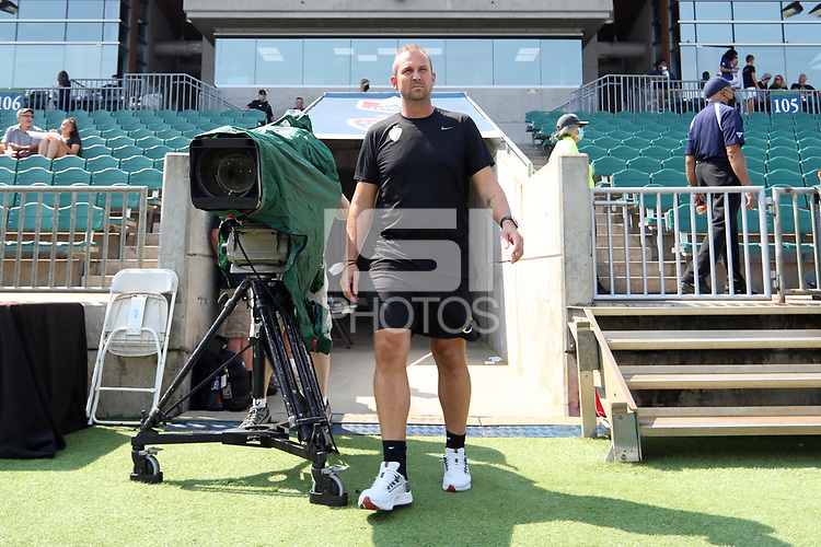 CARY, NC - SEPTEMBER 12: Assistant coach Scott Vallow of the North Carolina Courage before a game between Portland Thorns FC and North Carolina Courage at Sahlen's Stadium at WakeMed Soccer Park on September 12, 2021 in Cary, North Carolina.