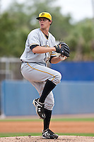 Jeff Locke (27) of the Bradenton Marauders during a game vs. the Dunedin Blue Jays May 16 2010 at Dunedin Stadium in Dunedin, Florida. Bradenton won the game against Dunedin by the score of 3-2.  Photo By Scott Jontes/Four Seam Images