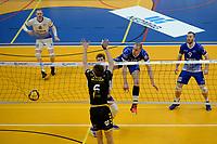 27-03-2021: Volleybal: Amysoft Lycurgus v Draisma Dynamo: Groningen Lycurgus speler Dennis Borst slaat de bal hard in het net
