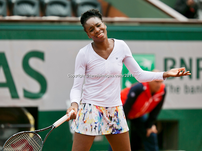 France, Paris, 28.05.2014. Tennis, French Open, Roland Garros, Venus Williams (USA) is frustrated in her match against Schmiedlova (SVK)<br /> Photo:Tennisimages/Henk Koster