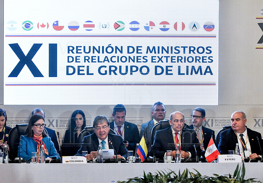 BOGOTÁ – COLOMBIA, 24-02-2019: Carlos Holmes Trujillo García Ministro de Asuntos Exteriores de Colombia y Hugo de Zela, Vicanciller de Perú, durante la 11ª Reunión de Ministros de Relaciones expteriores del Grupo de Lima en Bogotá, Colombia. El grupo de 14 miembros de Lima, que incluye a la mayoría de los latinoamericanos. Es la primera reunión en la que Venezuela participará como miembro del grupo de Lima, representado por el presidente interino Juan Guaido. / Carlos Holmes Trujillo García Minister of Foreign Affairs of Colombia and Hugo de Zela, Vice Chancellor of Peru, during the 11th Lima Group Foreign Ministers meeting in Bogota, Colombia. The 14-member Lima Group, which includes most Latin American countries. It is first meeting in which Venezuela will participate as a member of the Lima group, represented by the president interim Juan Guaido. Photo: VizzorImage / Luis Ramirez / Staff.