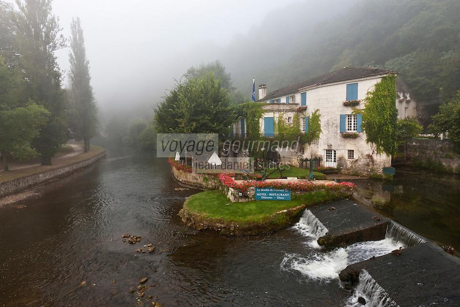Europe/France/Aquitaine/24/Dordogne/Brantome: Moulin de L'Abbaye: Cet ancien moulin du XVIe siècle, baigné par les eaux de la Dronne a été transformé en Hôtel-Restaurant de charme