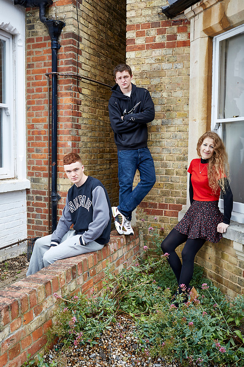 Photograph by John Angerson. 20061<br /> Candida Crewe with his sons Erskin and Connor at home in Oxford, UK.