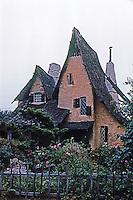 Los Angeles: Spadena House. Henry Oliver, 1921.  Photo '92.
