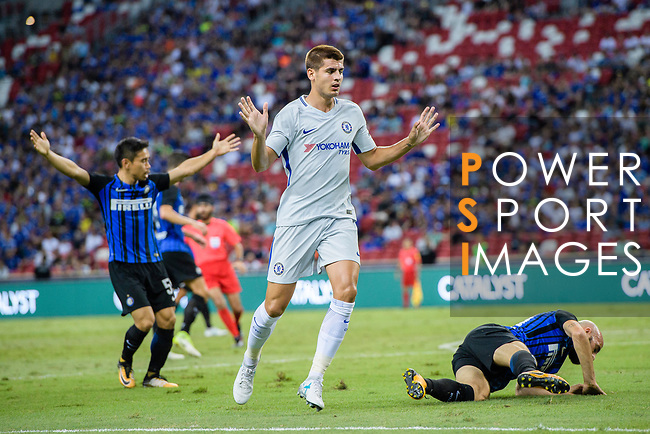 Chelsea Forward Alvaro Morata (C) gestures after crashes with FC Internazionale Midfielder Borja Valero (R) during the International Champions Cup 2017 match between FC Internazionale and Chelsea FC on July 29, 2017 in Singapore. Photo by Marcio Rodrigo Machado / Power Sport Images