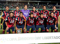 CALI - COLOMBIA - 12-02-2014: Los jugadores del Cerro Porteño de Paraguay, posan para una foto durante partido entre Deportivo Cali y Cerro Porteño de la segunda fase, grupo 3, de la Copa Bridgestone Libertadores en el estadio Pascual Guerrero, de la ciudad de Cali. / The players of Cerro Porteño of Paraguay, pose for a photo during a match between Deportivo Cali and Cerro Porteño for the second phase, group 3, of the Copa Bridgestone Libertadores in the Pascual Guerrero stadium in Cali city. Photo: VizzorImage / Juan C. Quintero / Str.