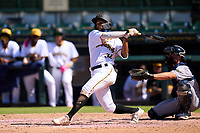 Bradenton Marauders Jasiah Dixon (32) bats during a game against the Fort Myers Mighty Mussels on May 9, 2021 at LECOM Park in Bradenton, Florida.  (Mike Janes/Four Seam Images)