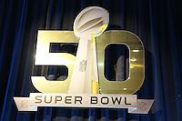 Logo des Super Bowl 50 - Super Bowl 50 Halbzeitshow PK, Moscone Center San Francisco