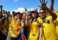 BELO HORIZONTE - BRASIL -14-06-2014. Los hinchas colombianos viven una fiesta en las afueras del estadio Mineirao de Belo Horizonte previo al partido del Grupo C entre Colombia (COL) y Grecia (GRC) hoy 14 de junio de 2014 en la Copa Mundial de la FIFA Brasil 2014./ Fans of Colombia live a party live a praty outside of the Mineirao stadium in Belo Horizonte prior the match of the Group C between Colombia (COL) and Grece(GRC) today June 14 2014 in the 2014 FIFA World Cup Brazil. Photo: VizzorImage / Alfredo Gutiérrez / Contribuidor