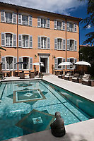 Europe/France/Provence -Alpes-Cote d'Azur/83/Var/Saint-Tropez:Restaurant  Pan Deï Palais - la piscine et le jardin