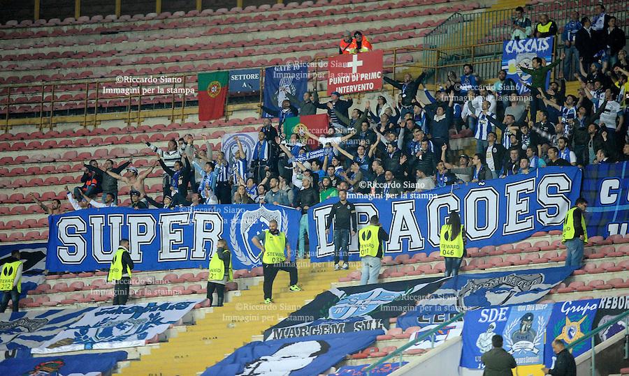 - NAPOLI 20 MAR - Calcio Europa League Stadio San Paolo.    Napoli - Porto ritorno   ottavi di filale di Europa League. Nella foto tifosi porto
