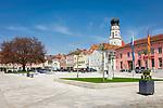 Deutschland, Bayern, Niederbayern, Baederdreieck, Bad Griesbach im Rottal: Stadtplatz mit Stadtpfarrkirche | Germany, Lower Bavaria, Bad Griesbach im Rottal: town square with parish church