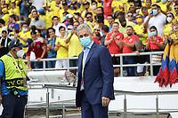 BARRANQUILLA – COLOMBIA, 10-10-2021:  Rueda, técnico de Colombia (COL) durante partido entre los seleccionados de Colombia (COL) y Brasil (BRA), de la fecha 12 por la clasificatoria a la Copa Mundo FIFA Catar 2022, jugado en el estadio Metropolitano Roberto Melendez en Barranquilla. / Rueda coach Colombia (COL), during match between the teams of Colombia (COL) and Brasil(BRA), of the 12th date for the FIFA World Cup Qatar 2022 Qualifier, played at Metropolitan stadium Roberto Melendez in Barranquilla. Photo: VizzorImage / Jairo Cassiani / Contribuidor