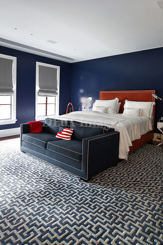 Blue wall in the bedroom