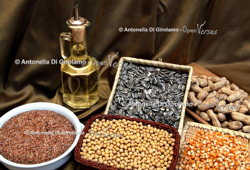 Olio di semi. Seed oil.  .