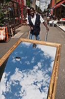 Europe/France/Ile de France/93/Seine-Saint-Denis/Saint-Ouen: Le marché aux Puces- le Marché Paul Bert - Le porteur de nuages