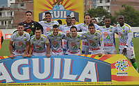ENVIGADO- COLOMBIA, 14-04-2019.Formación del Atlético Huila ante el Envigado.Acción de juego entre los equipos Envigado y Atlético Huila durante partido por la fecha 15 de la Liga Águila I 2019 jugado en el estadio Polideportivo Sur de la ciudad de Medellín. /Team of Atletico Huila agaisnt ofEnvigado.Action game between teams Envigado and  Atletico Huila during the match for the date 15 of the Liga Aguila I 2019 played at Polideportivo Sur stadium in Medellin  city. Photo: VizzorImage / Leon Monsalve/ Contribuidor