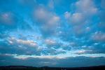 Europa, DEU, Deutschland, Nordrhein Westfalen, NRW, Eifel, Abendhimmel, Wolkenstimmung, Kategorien und Themen, Natur, Umwelt, Landschaft, Stimmungen, Wetterfoto, Wetterfotografie, Wetterphotos, Wetterphotographie, Wetter, Himmel, Wolken, Wolkenkunde, Wetterbeobachtung, Wetterelemente, Wetterlage, Wetterkunde, Witterung, Witterungsbedingungen, Wettererscheinungen, Meteorologie, Bauernregeln, Wettervorhersage, Wolkenfotografie, Wetterphaenomene, Wolkenklassifikation, Wolkenbilder, Wolkenfoto....[Fuer die Nutzung gelten die jeweils gueltigen Allgemeinen Liefer-und Geschaeftsbedingungen. Nutzung nur gegen Verwendungsmeldung und Nachweis. Download der AGB unter http://www.image-box.com oder werden auf Anfrage zugesendet. Freigabe ist vorher erforderlich. Jede Nutzung des Fotos ist honorarpflichtig gemaess derzeit gueltiger MFM Liste - Kontakt, Uwe Schmid-Fotografie, Duisburg, Tel. (+49).2065.677997, archiv@image-box.com, www.image-box.com]