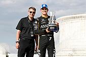 Marcus Ericsson, Arrow Schmidt Peterson Motorsports Honda with Michael Montri, President of the Detroit GP