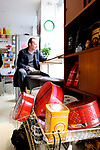 Shop und Cafe Retrolykke, 08/2014<br /> <br /> Engl.: Europe, Scandinavia, Norway, Oslo, Gruenerløkka, shop and cafe Retrolykke, gastronomy, interior view, guest, August 2014