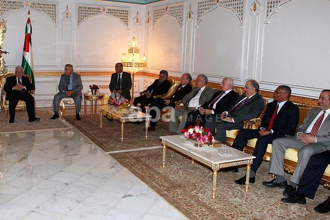 Palestinian President, Mahmoud Abbas (Abu Mazen) meets with Arab ambassadorsi  in Tunisia, on April 30, 2012. Photo by Thaer Ganaim