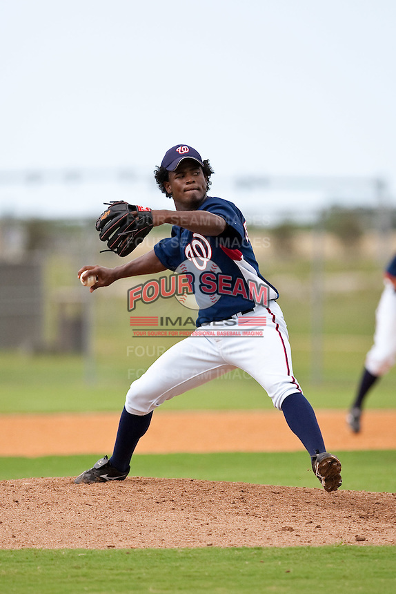 7/17/09: Ruben De La Rosa of the Gulf Coast League Nationals during the game in Viera, Florida. The GCL Nationals are the Rookie League affiliate of the Washington Nationals. Photo By Scott Jontes/Four Seam Images