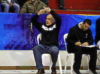 MANIZALES -COLOMBIA, 15-10-2013. Guillermo Moreno entrenador del Once durante el partido entre Manizales Once Caldas y Halcones de Cúcuta válido por la fecha 27 Liga DirecTV de Baloncesto 2013-II de Colombia jugado en el coliseo Jorge Arango de la ciudad de Manizales./ Guillermo Moreno coach of Once during the match between Manizales Once Caldas and Halcones de Cucuta valid for the 27th date of DirecTV Basketball League 2013-II in Colombia at Jorge Arango coliseum in Manizales. Photo:VizzorImage / Santiago Osorio / STR