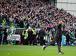 13.05.2018 Hibs v Rangers: Scott Allan and the Hibs bench laughing as Neil Lennon runs up to the Rangers support as Hibs equalise in added on time