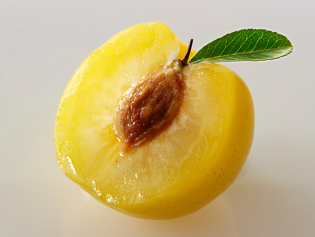 Fresh Yellow plums