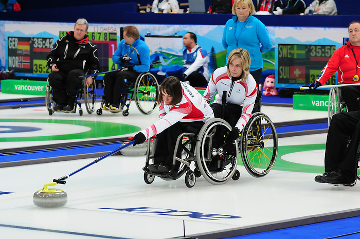 Ina Forrest, Vancouver 2010 - Wheelchair Curling // Curling en fauteuil roulant.<br /> Team Canada competes in Wheelchair Curling // Équipe Canada participe en curlign en fauteuil roulant. 13/03/2010.