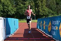 Raffael Berger kommt ins Ziel - Mörfelden-Walldorf 18.07.2021: MoeWathlon