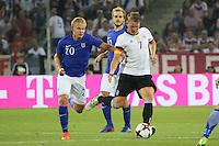 Bastian Schweinsteiger (Deutschland Germany) gegen Joel Pohjanpalo (Finnland) - Deutschland vs. Finnland, Borussia Park, Mönchengladbach
