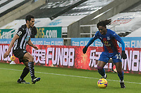 2nd February 2021; St James Park, Newcastle, Tyne and Wear, England; English Premier League Football, Newcastle United versus Crystal Palace; Eberechi Eze of Crystal Palace  shadowed by Isaac Hayden of Newcastle United