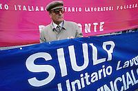- Milan, adherents to  police labor union SIULP during a labor union demonstration....- Milano, aderenti al sindacato di polizia SIULP durante una manifestazione sindacale