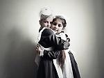 Deux petite fille dans une école militaire de Kiev. Ici pendant que les garçons aprennent à se battre, on enseigne aux petites filles à devenir de bonnes épouses comme aux temps des pensionnats soviétiques, Kiev, Ukraine, janvier 2018.