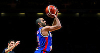 France's Tony Parker shoots  the ball during European championship semi-final basketball match between France and Spain on September 17, 2015 in Lille, France  (credit image & photo: Pedja Milosavljevic / STARSPORT)