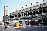 Italy: Padua--Law Courts (Palazzo Della Ragione) and Piazza Delle Frutta.  Photo '83.