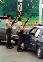 1990 FILE PHOTO (Exact date unknown):  OKA Crisis -  SQ policemen<br /> <br /> <br /> PHOTO :  Agence Quebec Presse - <br /> Robert Galbraith