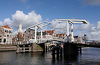 Nederland  Haarlem -  2020. De Gravestenenbrug.   Ophaalbrug over het Spaarne.. Foto : ANP/ HH / Berlinda van Dam