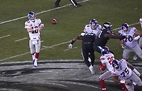 Pass von quarterback Eli Manning (10) of the New York Giants auf running back Saquon Barkley (26) of the New York Giants - 09.12.2019: Philadelphia Eagles vs. New York Giants, Monday Night Football, Lincoln Financial Field