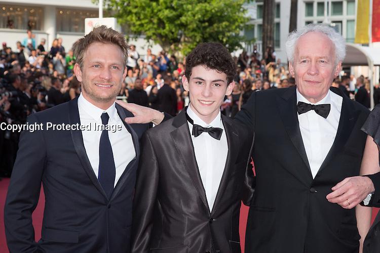 Jeremy Renier, louka Minnella, Jean-Pierre Dardenne - CANNES 2016 - MONTEE DES MARCHES DU FILM 'LA FILLE INCONNUE'