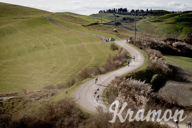 stretched out over the gravel<br /> <br /> 15th Strade Bianche 2021<br /> ME (1.UWT)<br /> 1 day race from Siena to Siena (ITA/184km)<br /> <br /> ©kramon