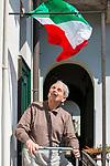 Milano 25 aprile2020.  bandiere alle finestre e ai balconi al tempo della quarantena