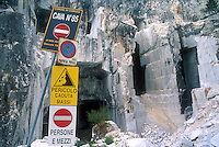 - marble quarries, safety system of signs....- cave di marmo, segnaletica di sicurezza