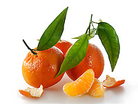 Fresh mandarins fruits with leaves